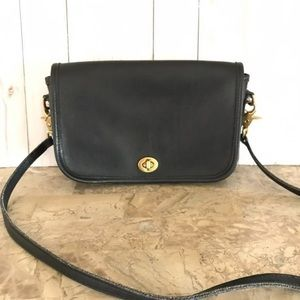 👜🛍👛VTG COACH DINKY SMALL BLACK CROSSBODY BAG